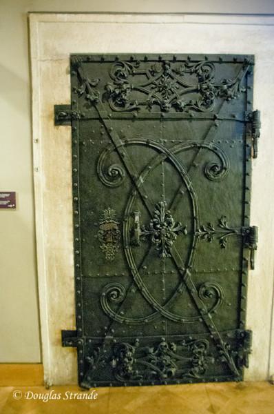 Iron door of the treasury with the monogram of Emperor Charles VI  --  Imperial Treasury