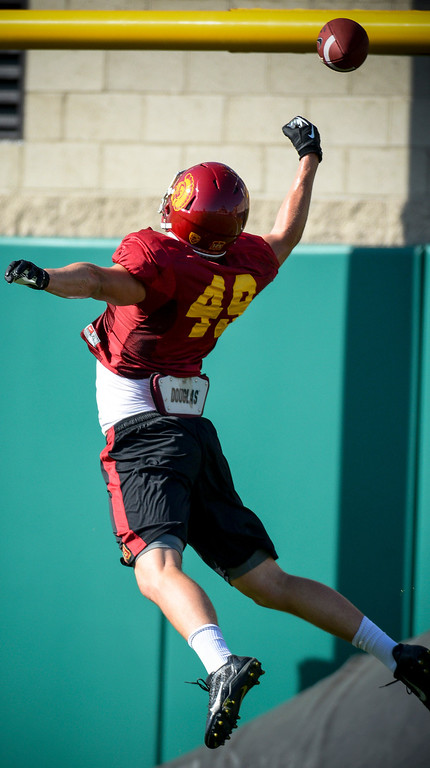 . USC�s Robby Kolanz found this pass out of reach during spring practice at USC Tuesday, April 15, 2014.  (Photo by David Crane/Los Angeles Daily News.)