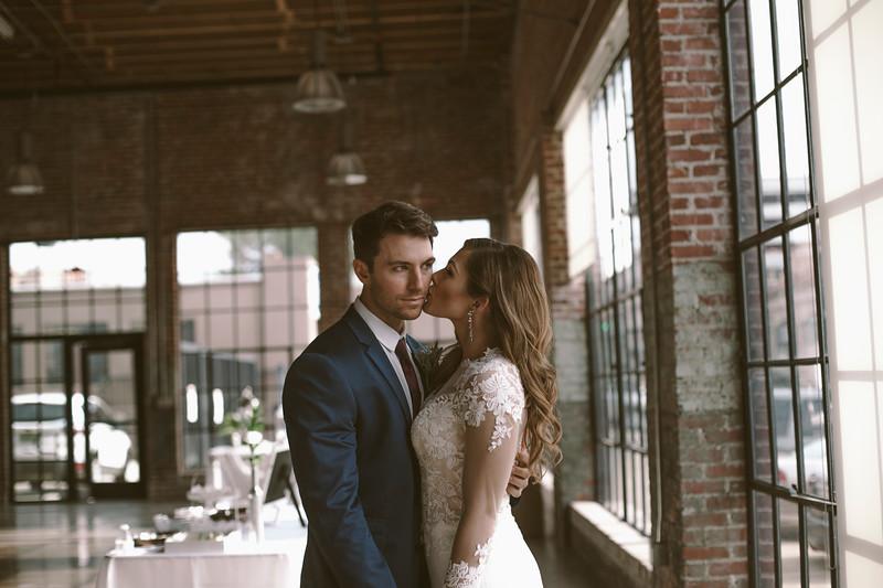 Kate&Josh_ZACH.WATHEN.PHOTOGRAPHER-714.jpg