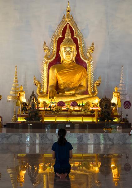 ubon temple.jpg