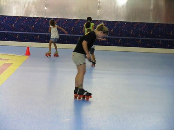 roller skate race on vacation.AVI