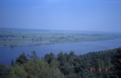 Looking over into the DDR and the Elbe River.