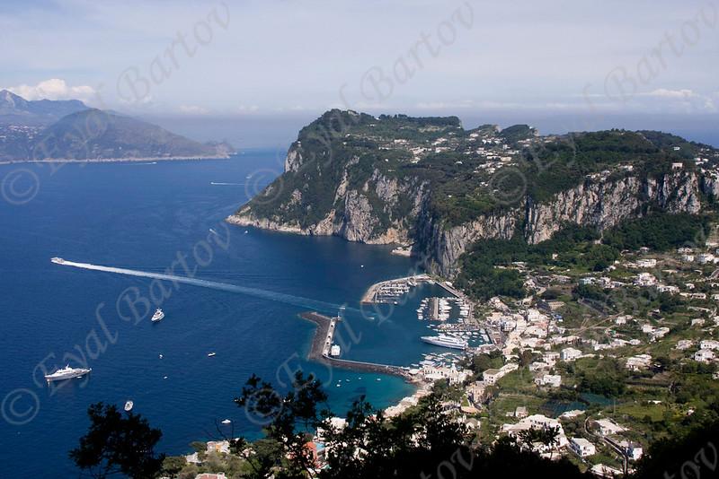 EB4163 Capri.jpg