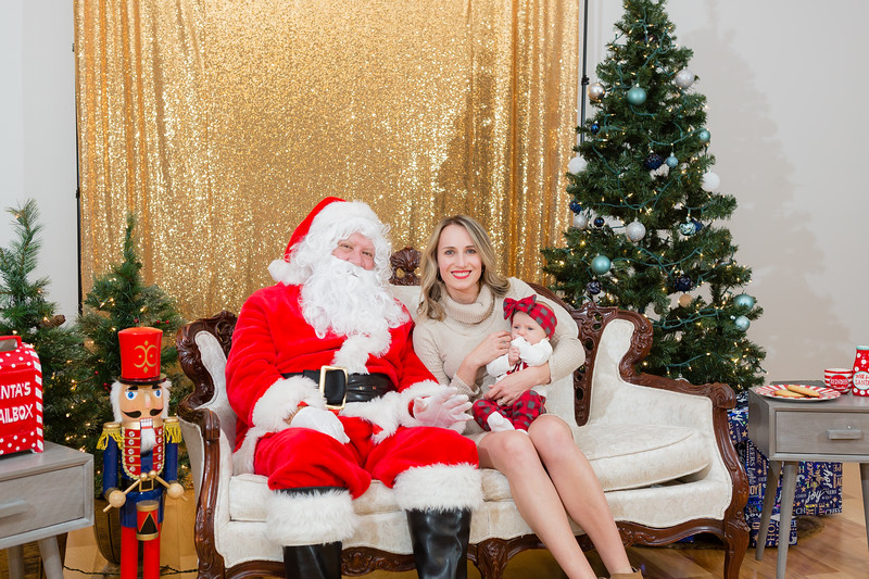 FADS Picture with Santa-306.jpg