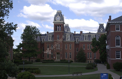 22272 DOWNTOWN CAMPUS SCENES Woodburn E Moore, Stewart Puritan Mountainlair New Wise Library