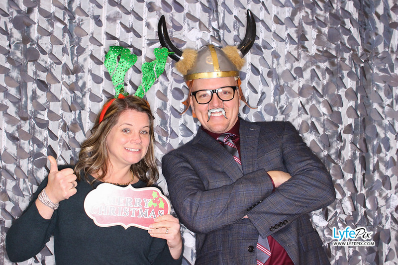 red-hawk-2017-holiday-party-beltsville-maryland-sheraton-photo-booth-0039.jpg