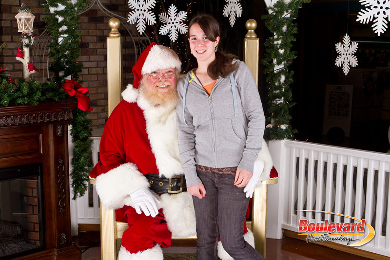 Santa Dec 8-289.jpg