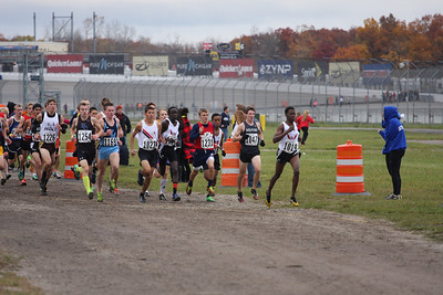 Extra mid race D1 Boys - 2013 MHSAA LP XC Finals