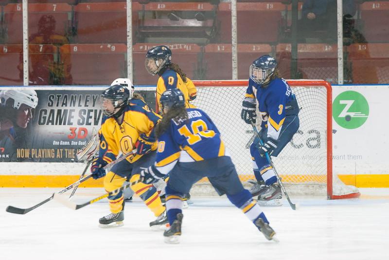20130310 QWHockeyvsUBC 392.jpg