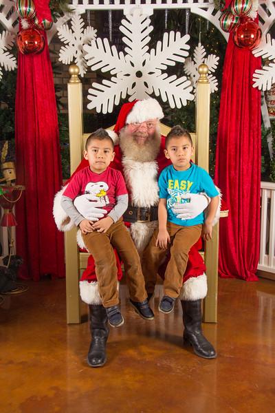 Santa 12-16-17-83.jpg