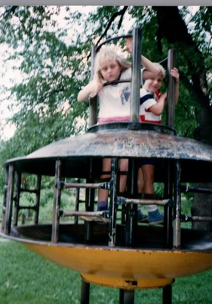 1989_Spring_Amelia_birthday_trip_to_pgh_debbie_0028_a.jpg