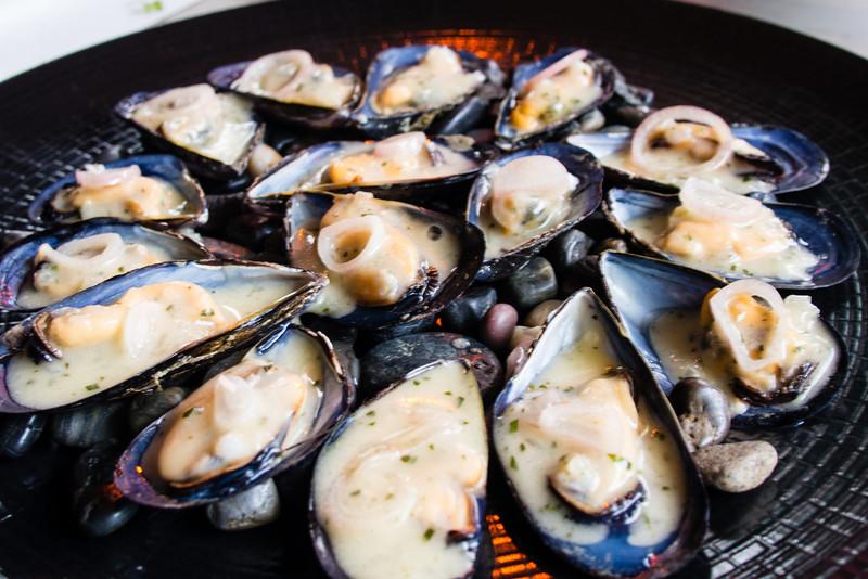 Mussels in Bernaise Sauce.jpg