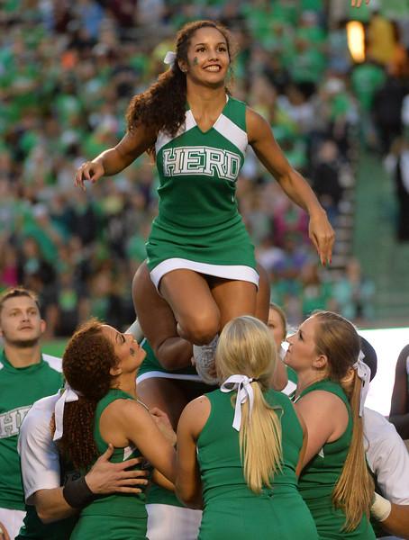 cheerleaders2234.jpg