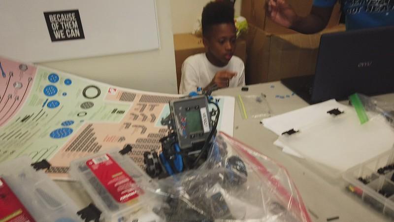 STEM-Robotics-Tracee