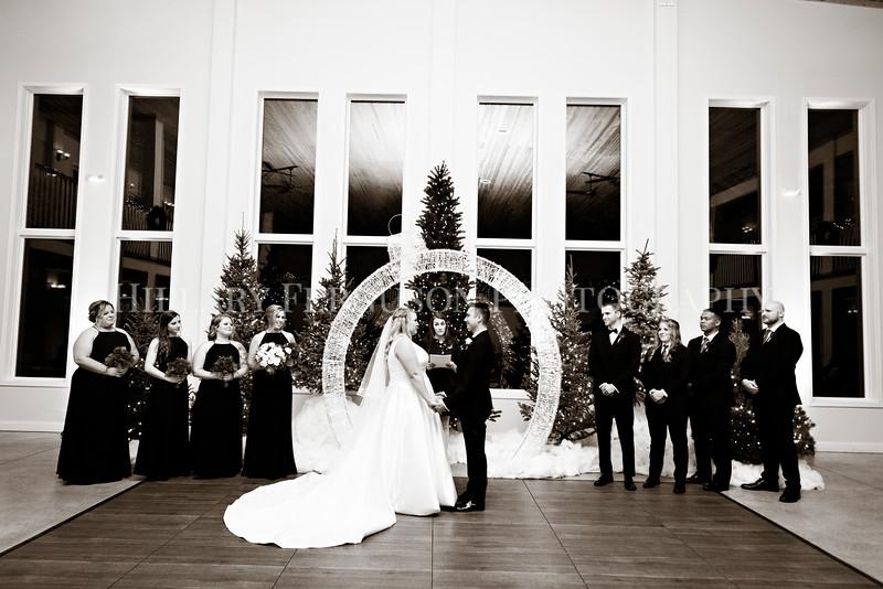 Hillary_Ferguson_Photography_Melinda+Derek_Ceremony077.jpg