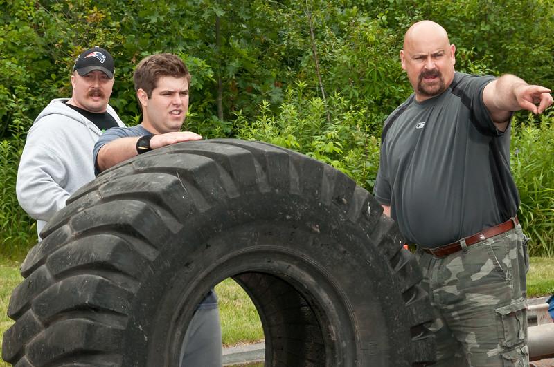 Fitness Revolution Strongman Challenge 2011_ERF4083.jpg