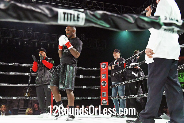 Bout #10:   Alante Green (Red Wrist Wraps)   vs   Michael Glasscox (Blue Wrist Wraps), Hvy Wt, 4 Rounds
