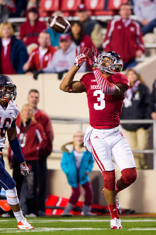. Indiana wide receiver Cody Latimer (3) pulls in a reception during an NCAA college football game, Saturday, Nov. 9, 2013, in Bloomington, Ind. Indiana defeated Illinois 52-35. (AP Photo/Doug McSchooler)