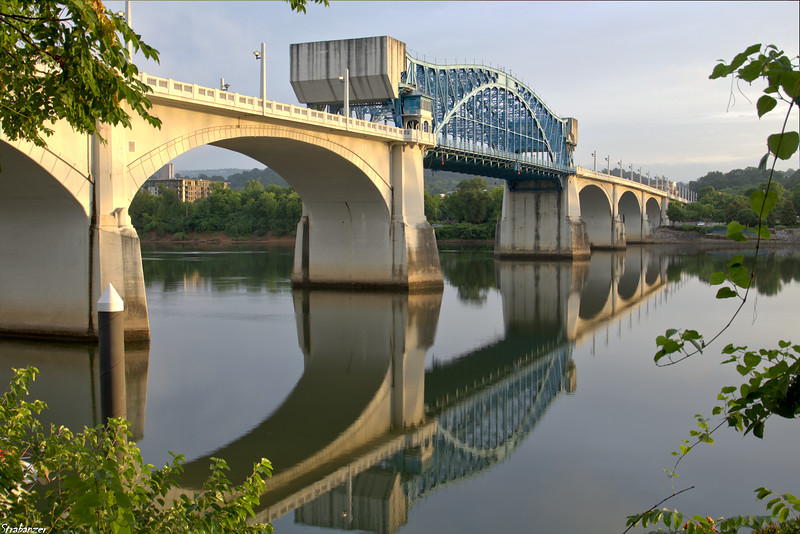 The Market Street (John Ross) Bridge with its steel truss center  draw  span --  a double-leaf Scherzer rolling lif  bascule.  Chattanooga, TN, 07/14/2019 This work is licensed under a Creative Commons Attribution- NonCommercial 4.0 International License