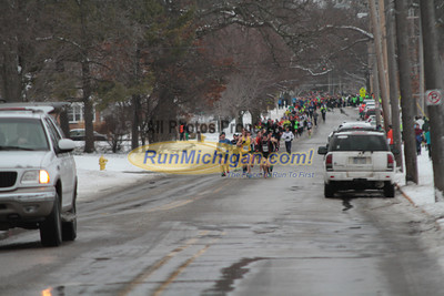 Men's 5K at 1 mile mark - 2013 Spectrum Health Irish Jig