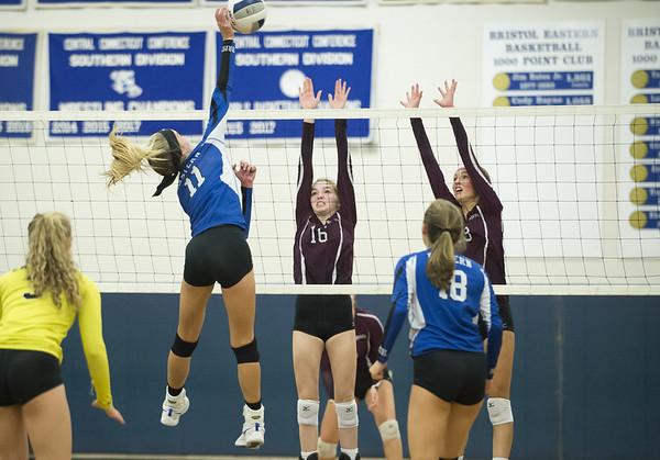 WBUN_VolleyballGirls-br-100919-3