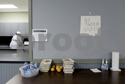 texas-public-school-districts-may-now-store-not-trash-leftover-food