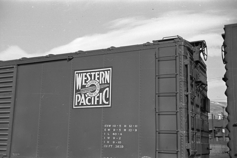 WP-boxcar-logo_Salt-Lake-City_Oct-5-1947_Emil-Albrecht-photo-230-rescan.jpg