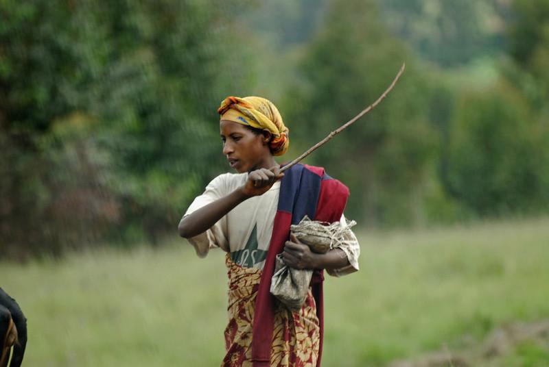 070116 4619 Burundi - on the road to Makamba _E _L ~E ~L.JPG