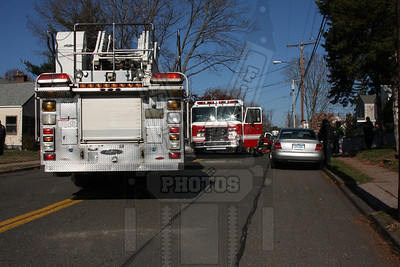 Manchester, Ct (8th District FD) Kitchen fire