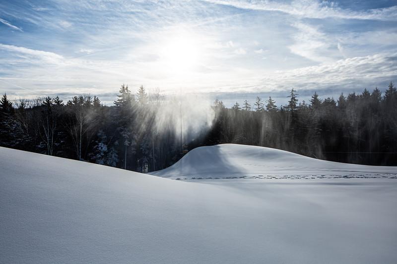 Snowmaking 1920-3655.jpg