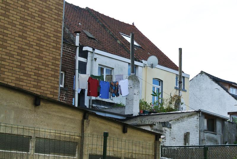 Achterkant Swoi's huis en zijn daktuin...