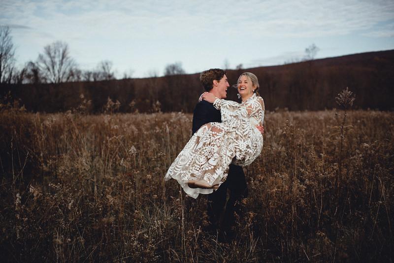 Requiem Images - Luxury Boho Winter Mountain Intimate Wedding - Seven Springs - Laurel Highlands - Blake Holly -910.jpg