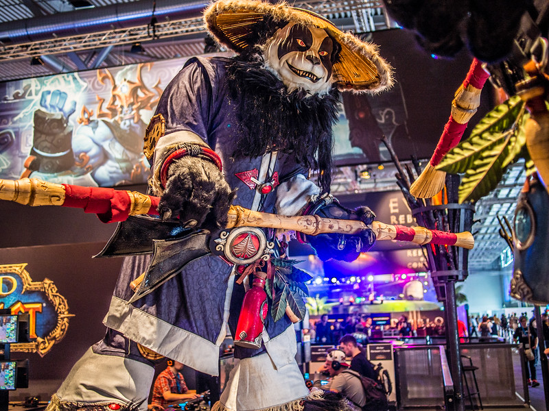 Pandaren statue at Gamescom 2013
