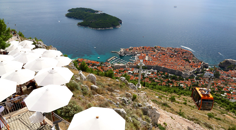 Towering above Dubrovnik to the north, the 1.350ft summit of Mount Srđ provides this stunning panoramic view!