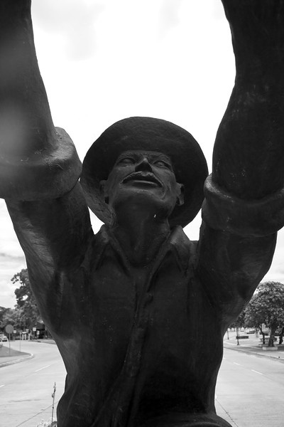 statue-3_4838991222_o.jpg