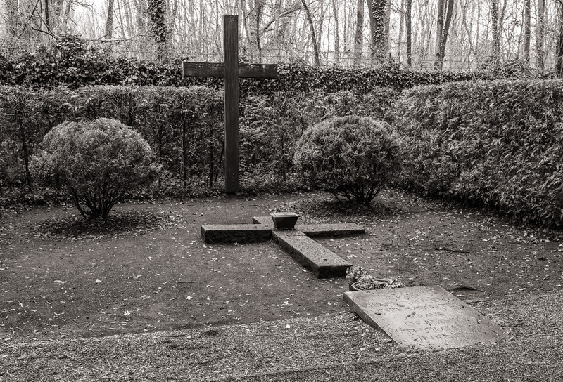 Graves of ashes