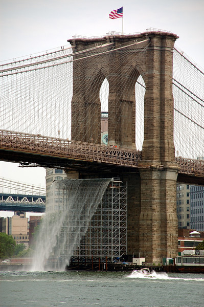 The 'waterfall' under the Brooklyn Bridge