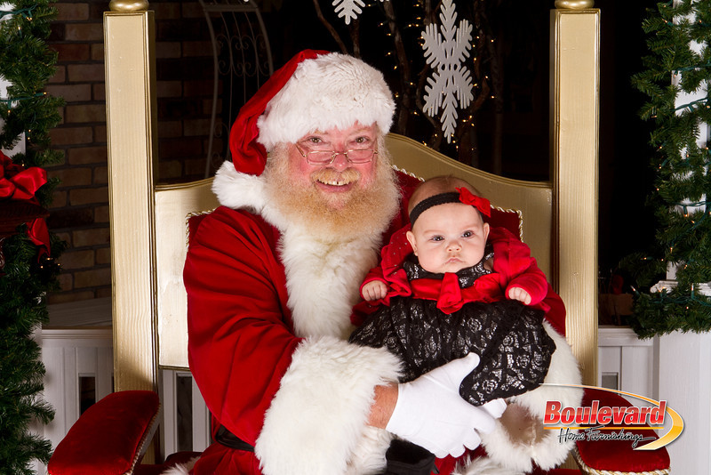 Santa Dec 15-163.jpg