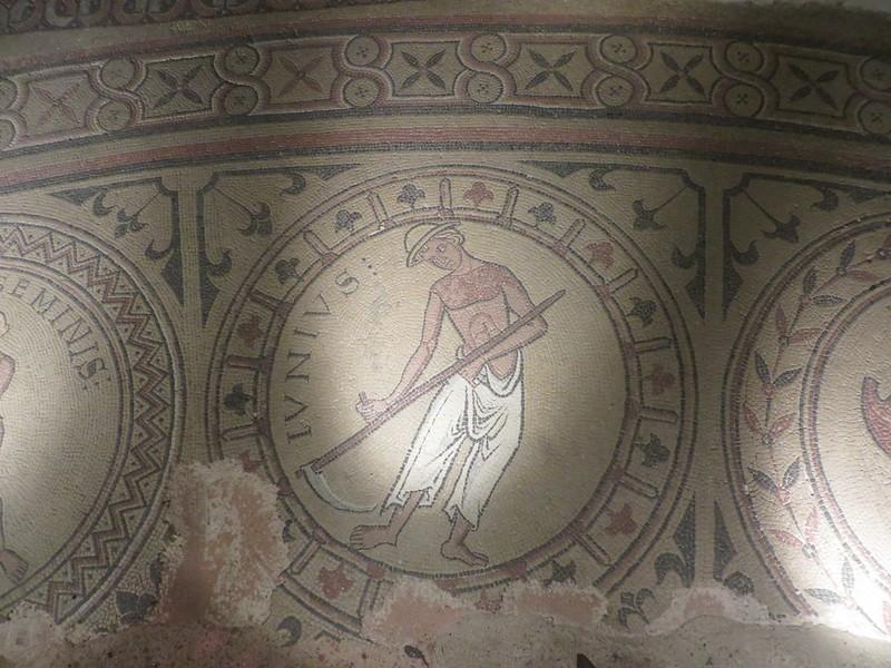 IMG_0949-Tournus-St-Philibert-Abbey-s.JPG
