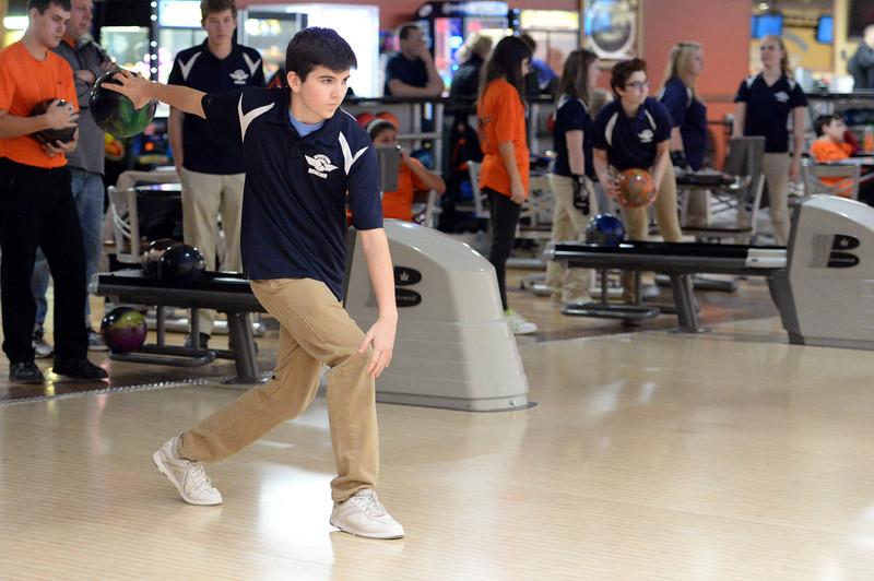 boys_bowling_9809.jpg