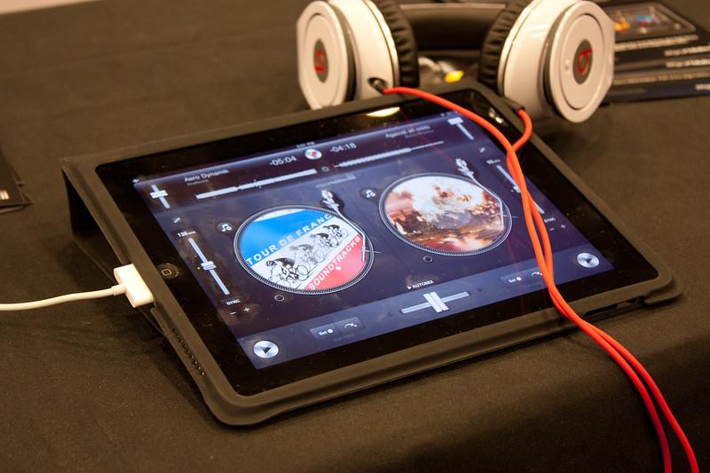 djay iPad.jpg