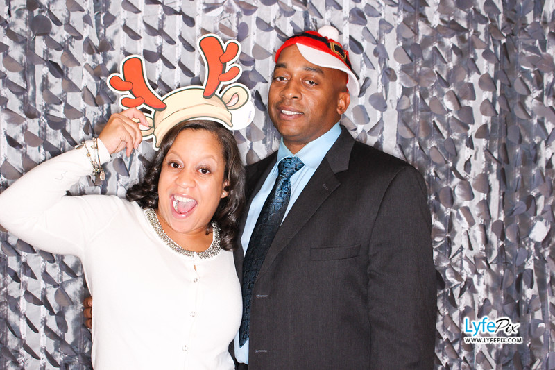 red-hawk-2017-holiday-party-beltsville-maryland-sheraton-photo-booth-0116.jpg