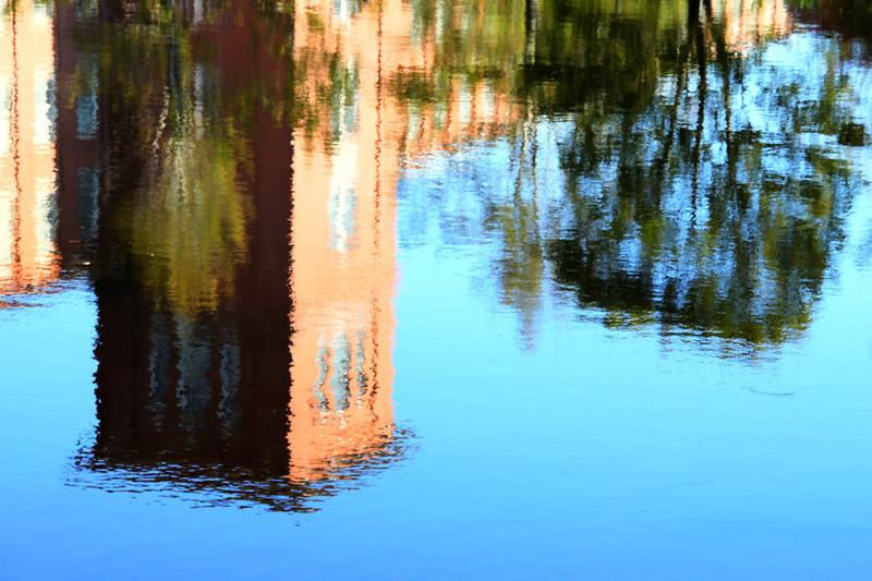 img_0379-reflect_tonemapped.jpg