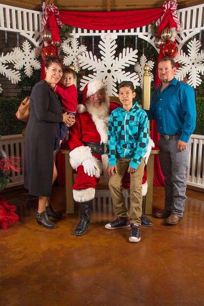 Santa 12-16-17-269.jpg