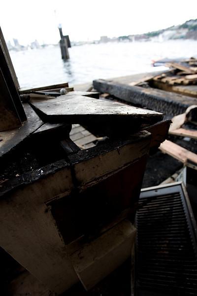 _MG_9241~-(Houseboat_fire).jpg
