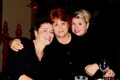 2005-12-25 Carolyn & Karen