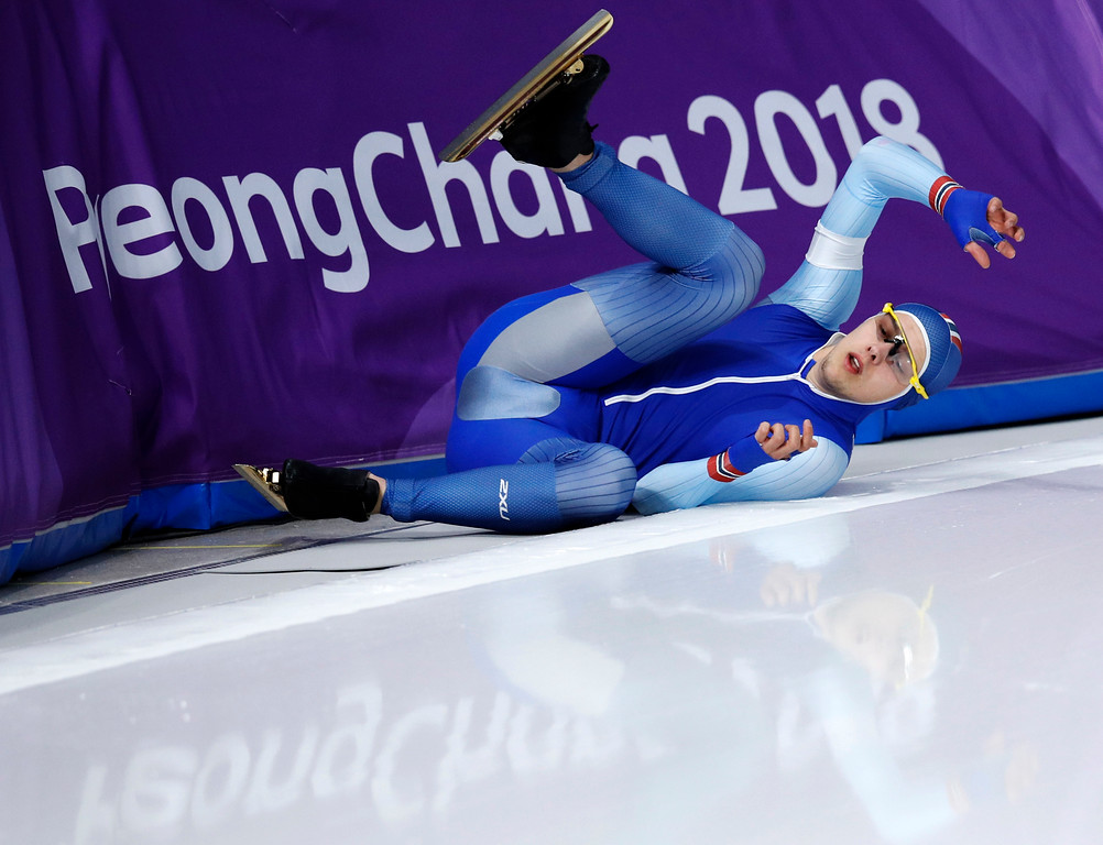 . Allan Dahl Johansson of Norway crashes during the men\'s 1,500 meters speedskating race at the Gangneung Oval at the 2018 Winter Olympics in Gangneung, South Korea, Tuesday, Feb. 13, 2018. (AP Photo/Vadim Ghirda)
