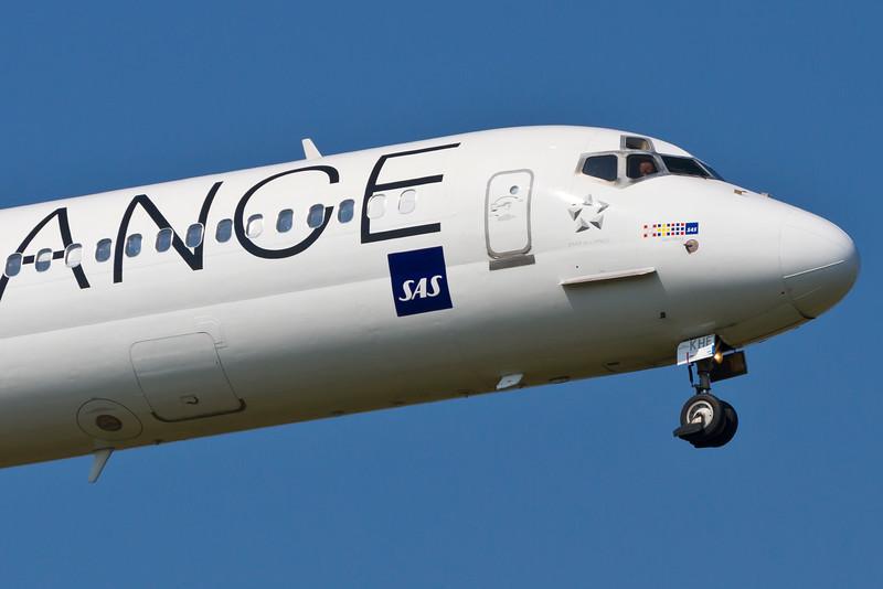 OY-KHE-MD-82-SAS-CPH-EKCH-2011-04-22-_MG_0865-DanishAviationPhoto.jpg