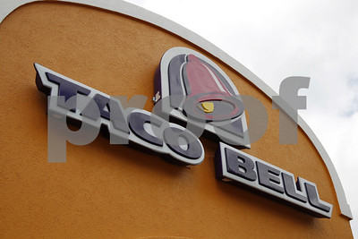 taco-bell-pulling-popular-chickenshelled-chalupa