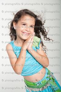pk2546 Lucia Esquivel